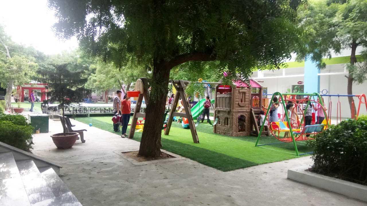 Trường mầm non iSchool Ninh ThuậnKhuôn viên sân trường mầm non quốc tế iSchool Ninh Thuận xanh - sạch - đẹp