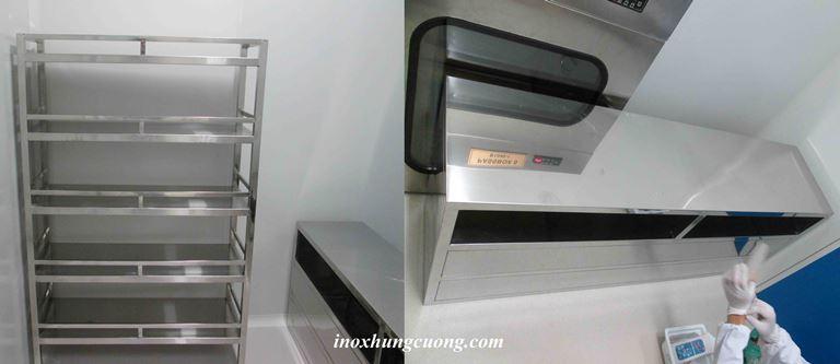 Kệ phẳng 4 tầng, tủ có ngăn kéo đựng dụng cụ