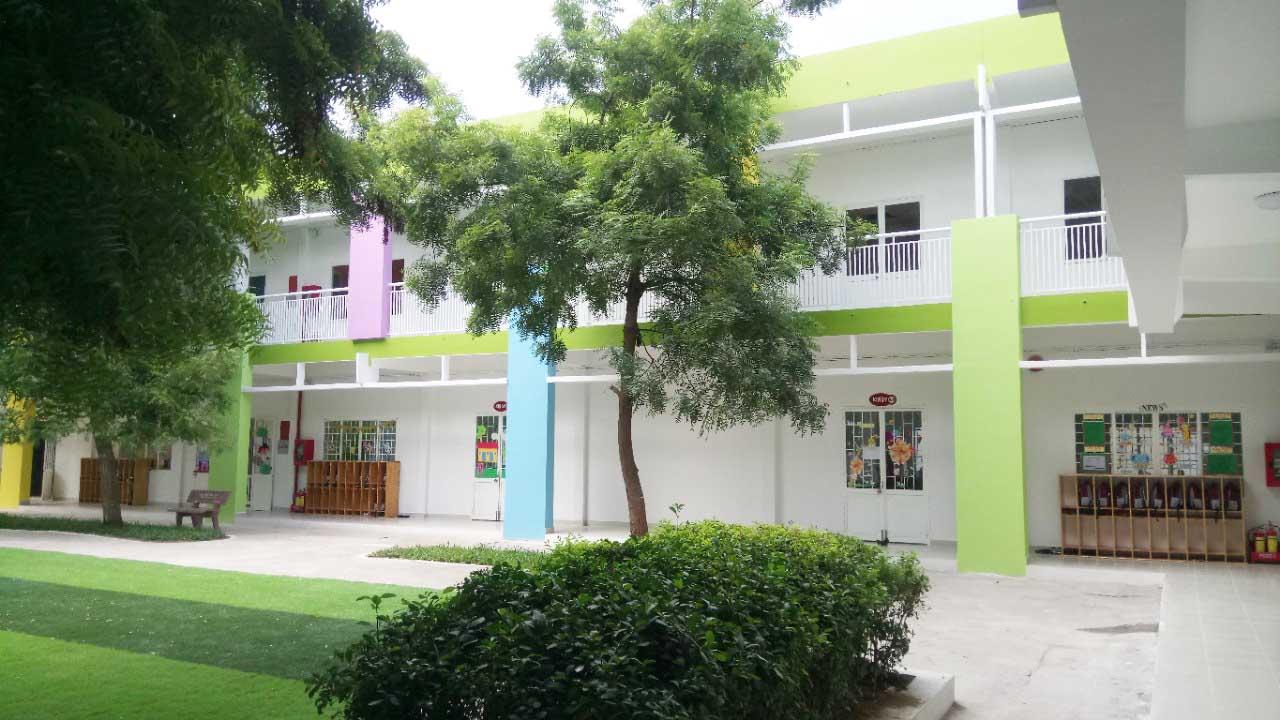 Trường mầm non iSchool Ninh ThuậnSân trường mầm non quốc tế iSchool Ninh Thuận được bao phủ bởi nhiều cây xanh
