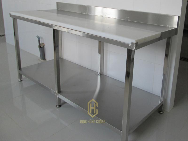 Những đặc điểm chung của các loại bàn inox công nghiệp.