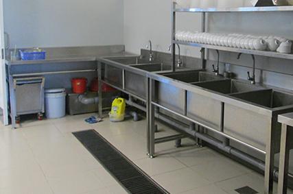 Các tầm quan trọng của hệ thống bẫy mỡ cho bếp nhà hàng