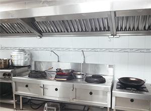 Những thiết bị bếp gas công nghiệp cần có trong các bếp công nghiệp