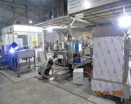Tăng ca sản xuất đáp ứng đơn hàng đến quý khách trong mùa dịch Covid-19