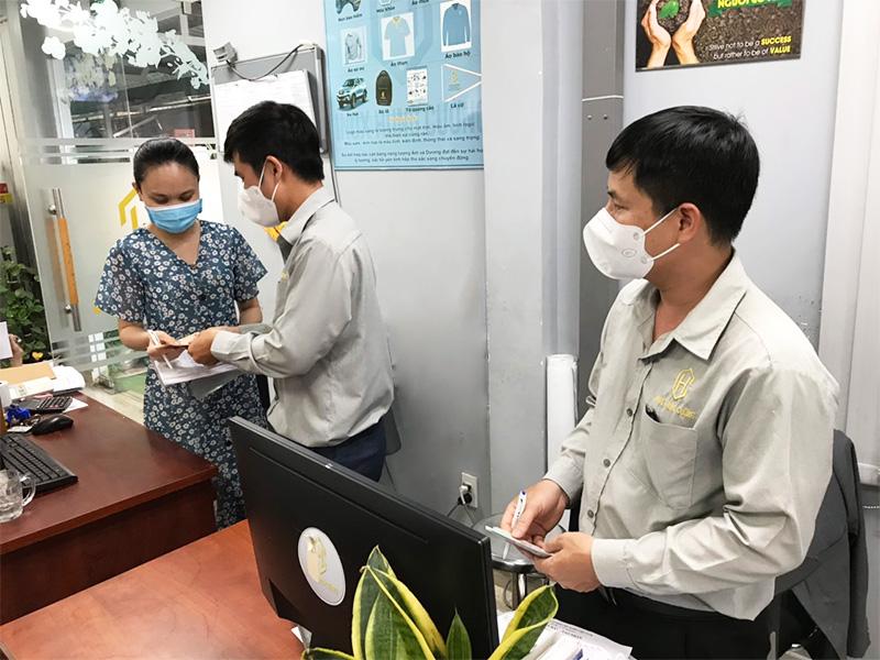 chung tay ủng hộ quỹ vaccine covid 19